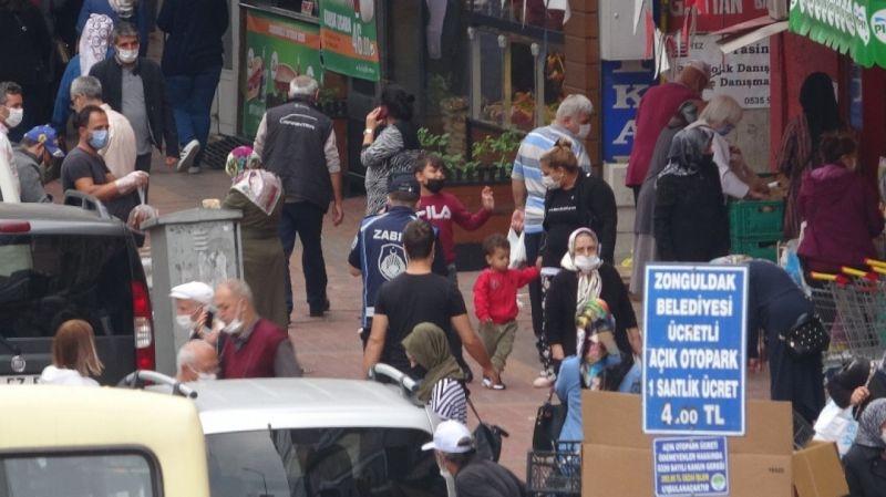 Zonguldak'ta maske ve mesafe unutuldu