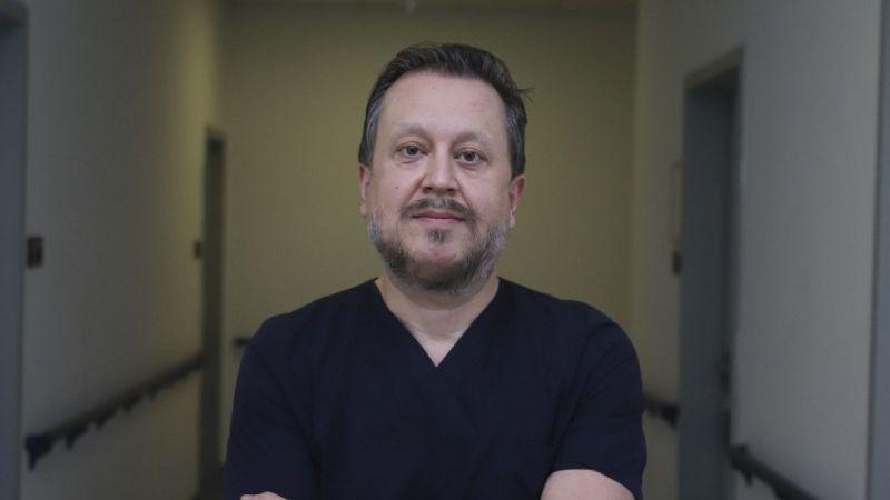 Son dakika... Aşı olacağını açıklayan Prof. Dr. Oğuztürk Covid-19 aşısı oldu