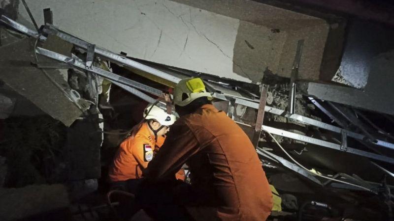 Son dakika... Endonezya'da 6.2 şiddetinde deprem: 10 ölü, 637 yaralı