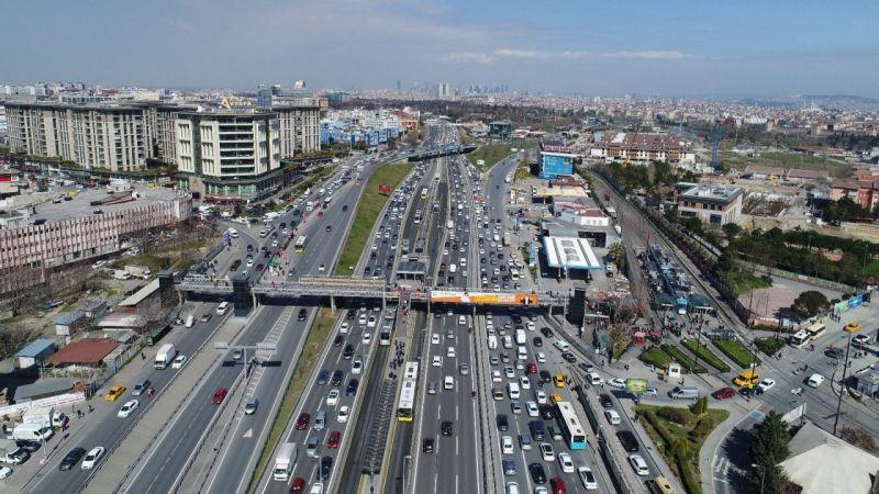 Kısıtlamasız Cumartesi'de İstanbul'da trafik yoğunluğu | Son Dakika Haber