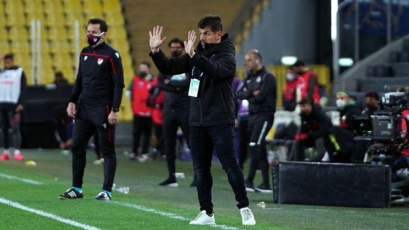 Erol Bulut'tan sonra göreve gelen Emre Belözoğlu oyunu çizgiye çekti!