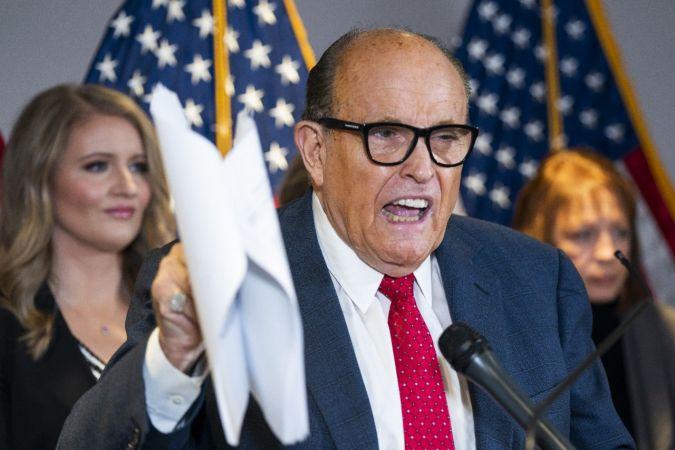 Trump'ın avukatı Giuliani'nin evinde arama yapıldı | Son Dakika