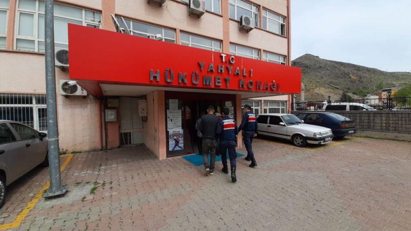 Kayseri'de 120 hayvanı tır ile çalan iki kişi yakalandı