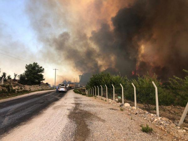 Antalya'daki orman yangını büyüyor |Son Dakika