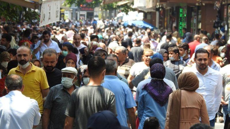 Vaka sayısının her geçen gün arttığı Gaziantep'te caddeler doldu taştı
