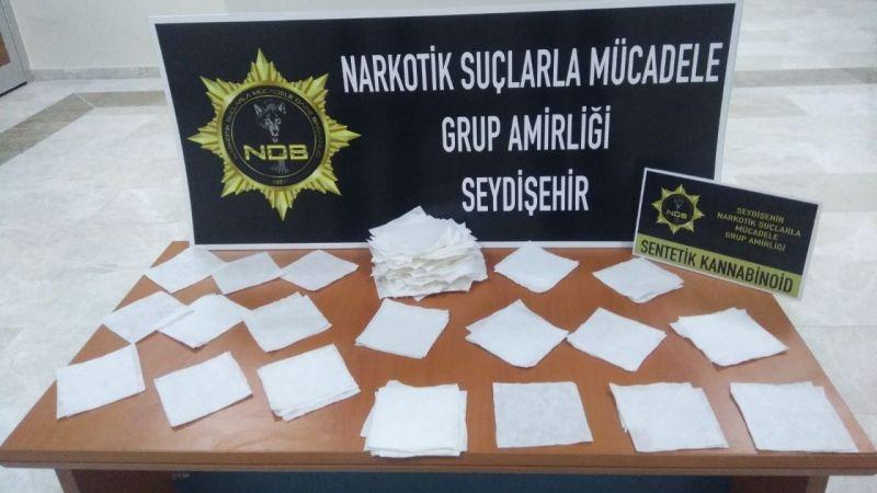 Konya'da 400 bin lira değerinde peçeteye emdirilmiş uyuşturucu ele geçirildi  Son Dakika
