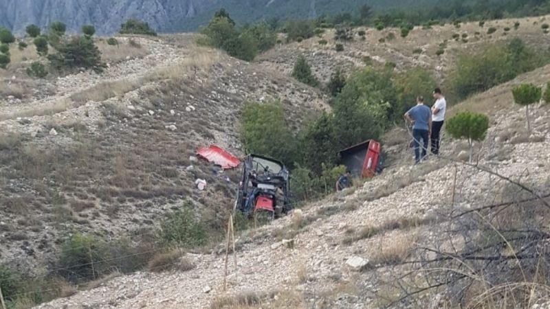 Çorum'da traktör devrildi: 2 kişi hayatını kaybetti