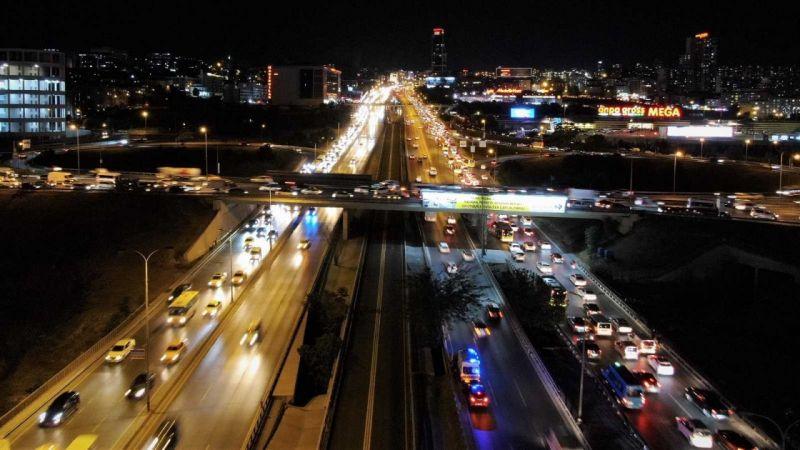 İstanbul'un trafik çilesi her geçen gün katlanarak artıyor