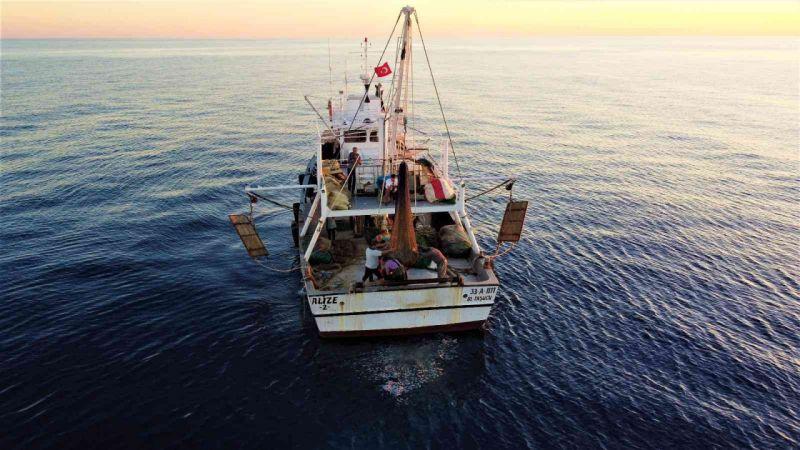 Balık ucuza alınıyor, 4-5 kat pahalı satılıyor, tezgah aracıların elinde | Son Dakika