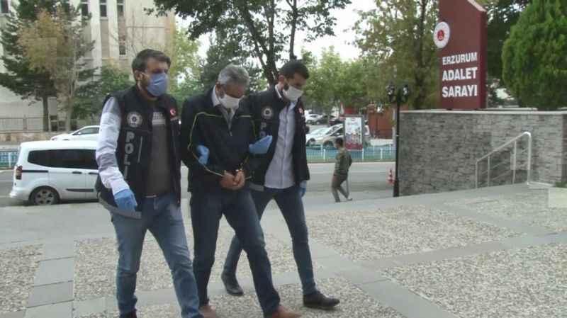 Uyuşturucu kaçakçısı emekli polis Erzurum Adliyesine getirildi