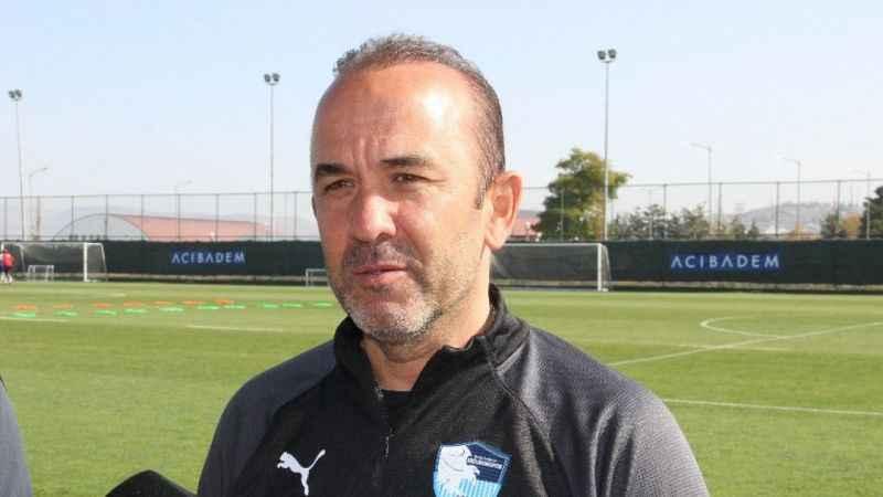 Mehmet Özdilek Hakem kararları oynanan futboldan daha çok konuşuldu