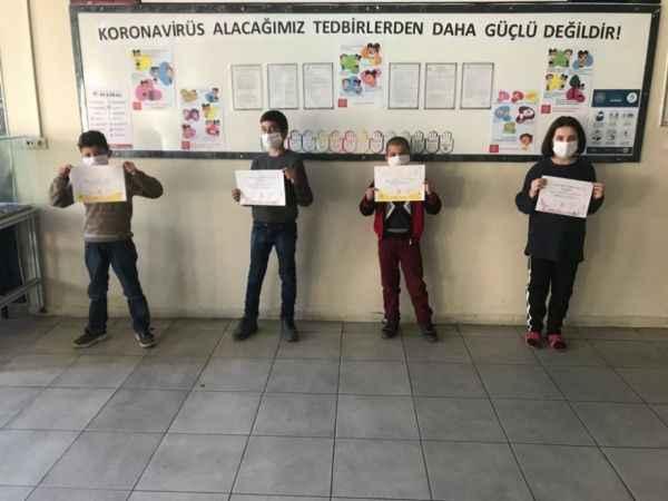 Erzurum'da korona virüse karşı gönüllü sağlık elçisi oluyor