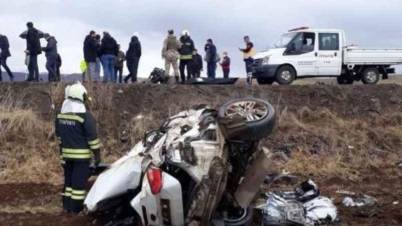 Trafik kazası1 ölü 2 yaralı!