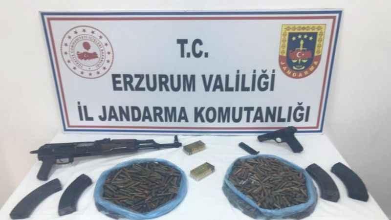 Erzurum'da husumetli ailelere silah satmaya çalışan şahıs yakalandı!