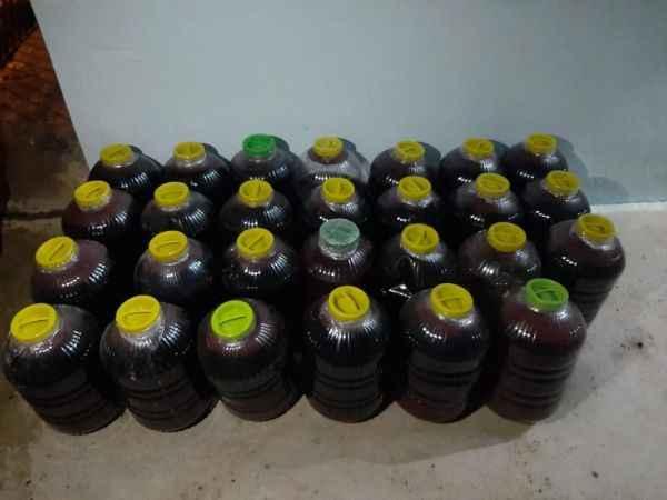 800 litre el yapımı şarap ele geçirildi