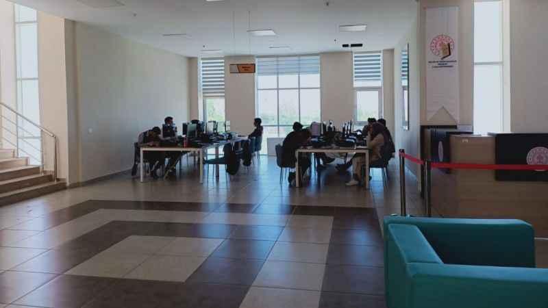 Sınavların yaklaştığı şu günlerde Kütüphaneler dolu dolu!