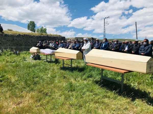 Talihsiz kazada hayatını kaybeden 4 kişi Ağrı'da toprağa verildi!