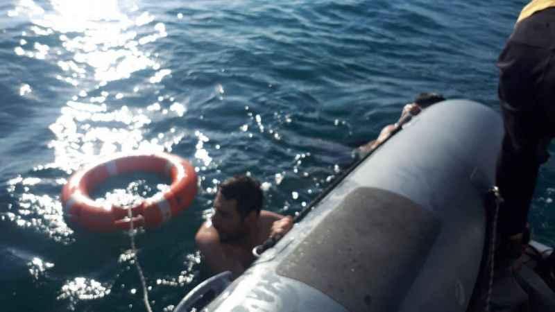 Van'da boğulmak üzere olan 4 kişi kurtarıldı