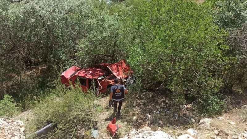 Kontrolden çıkan otomobil Botan Çayı'na uçtu