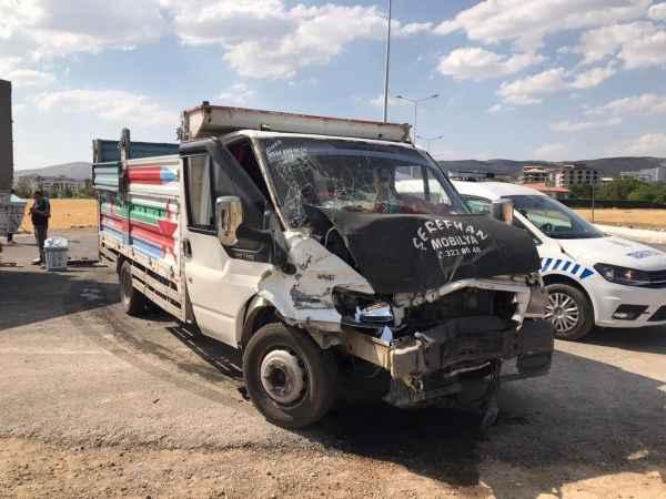 Elazığ'da Trafik kazası3 yaralı!