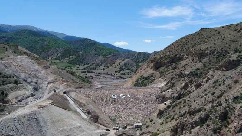 Şenkaya Sarıyar Barajı'nda çalışmalar aralıksız devam ediyor