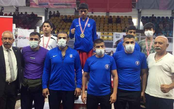 Özkısa boksta Türkiye şampiyonu oldu