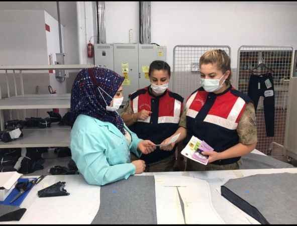 Jandarmadan kadın çalışanlara KADES bilgilendirmesi