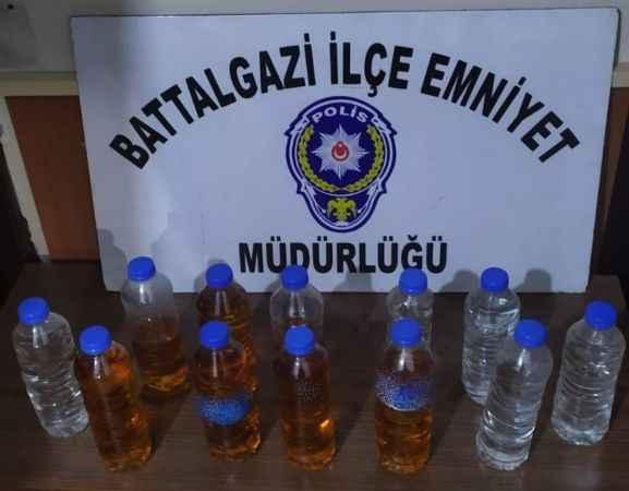 Bir araçtan 10 litre sahte alkol ele geçirildi