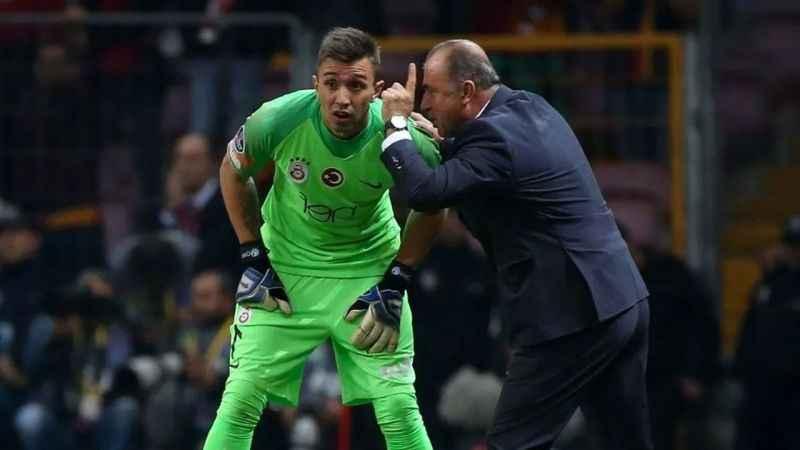 Galatasaray'da dev kriz! Kayserispor maçı öncesi Fatih Terim ile Muslera birbirine girdi..