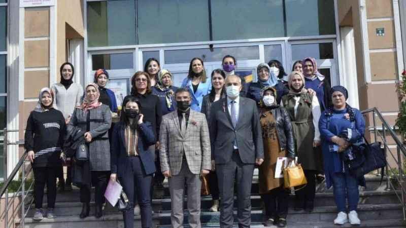 Erzurum'da kadın kooperatiflerinin güçlendirilmesi toplantısı düzenlendi -  Erzurum Haber