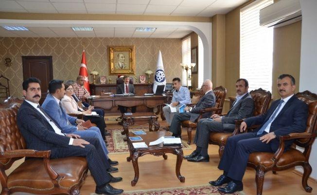 """Erzincan Üniversitesinde """"Kalite Güvence Sistemi ve Dış Paydaşlar"""" toplantısı"""