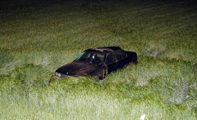 Virajı alamayan otomobil, ekin ekili tarlaya yuvarlandı