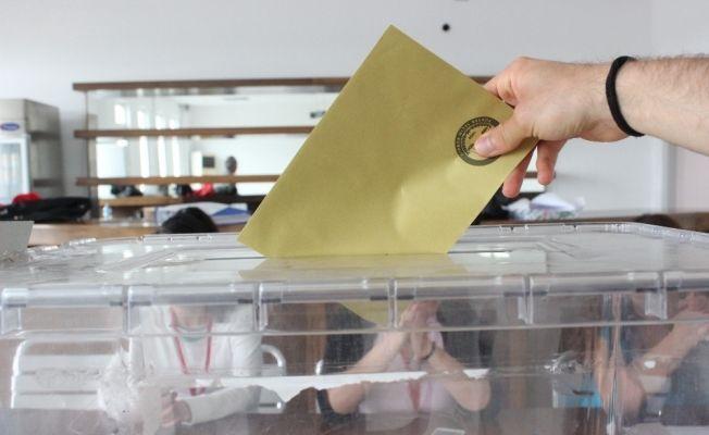 Gurbetçi vatandaşlar oy kullanmaya başladılar