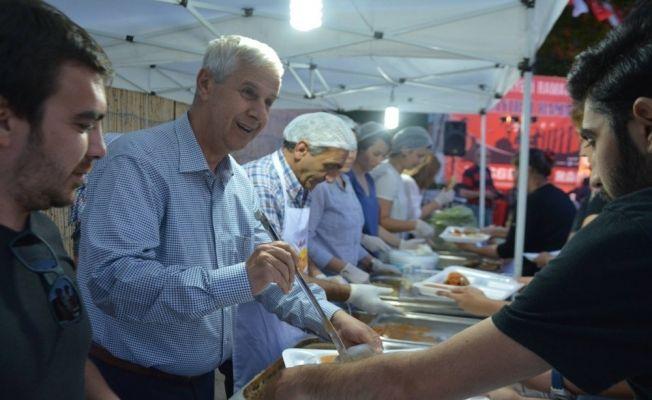Söke Belediyesi 29 bin kişiyi iftarlarda ağırladı