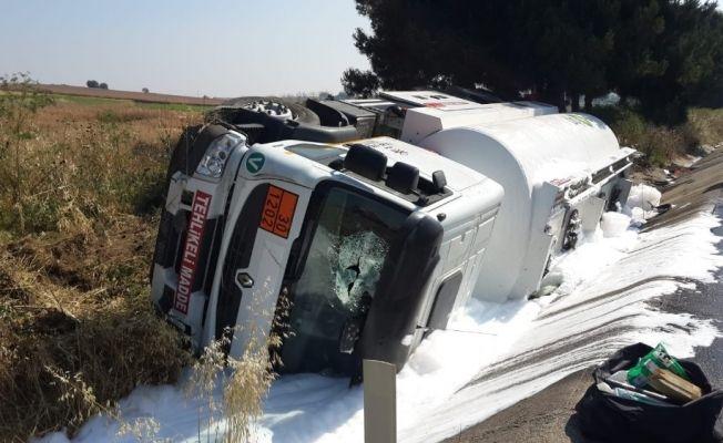 Yolcu otobüsü ile tanker çarpıştı: Çok sayıda yaralı var