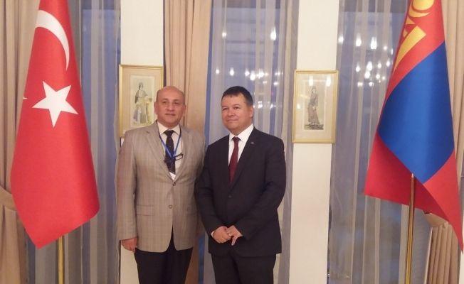 Türkolog Ergün Veren'in kitapları Moğolistan'a ulaştı