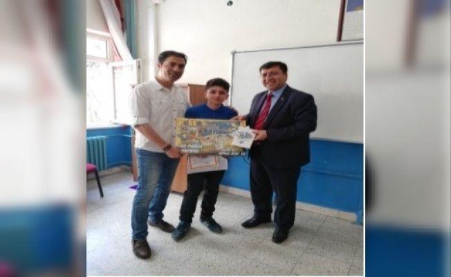 Öğrencilere karne hediyesi PTT'den