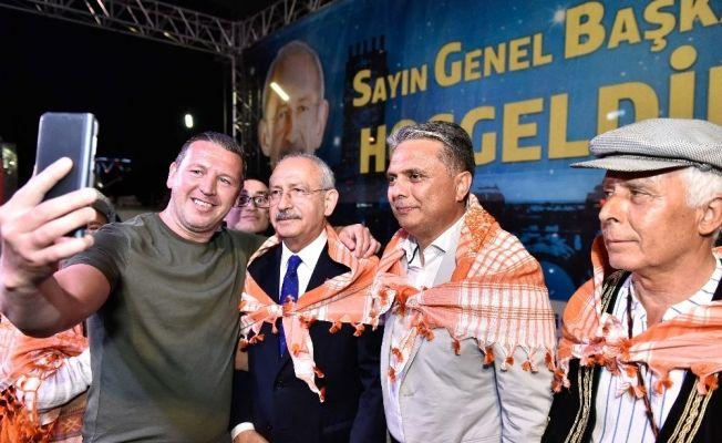 CHP Lideri Kılıçdaroğlu, vatandaşlarla iftarda buluştu
