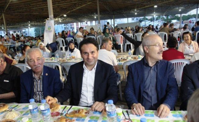 Ayvalık'ta Balıkesir Büyükşehir Belediyesi'nden gönül sofrası