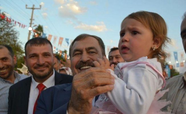 Bakan Eroğlu, iftarını vatandaşlarla birlikte yaptı