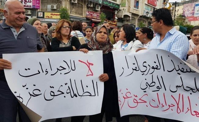 Gazze'deki yaptırımlar Ramallah'ta protesto edildi