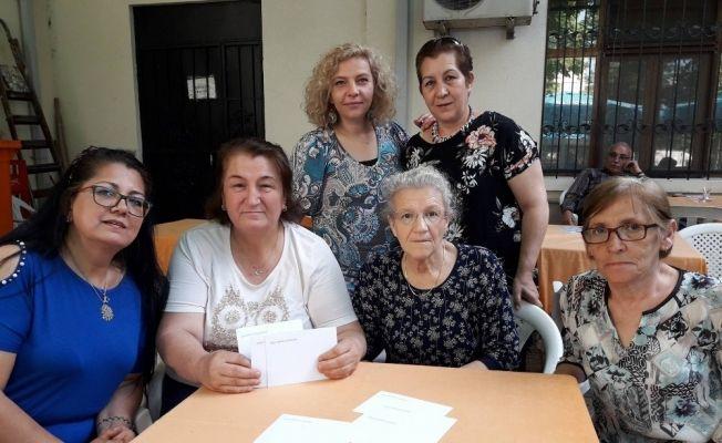 Eskişehir Güçlü Kadın Eli Derneği, ihtiyaç sahibi ailelere yardım eli uzattı