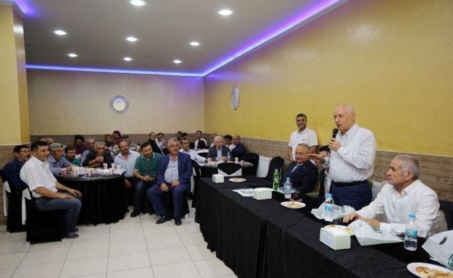 Başkan Yaşar, Peçeneklileri ziyaret etti