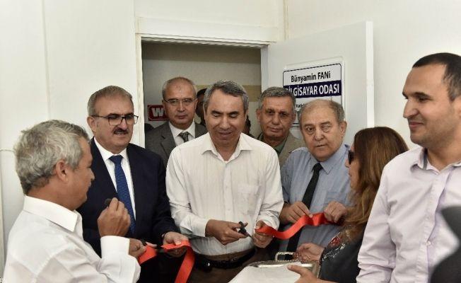 Muratpaşa'da bilgisayar atölyesi açıldı