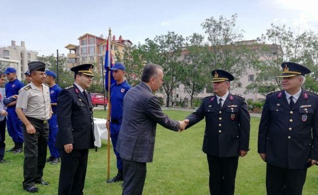 Edirne Valisi Özdemir, kolluk güçleri ile bayramlaştı