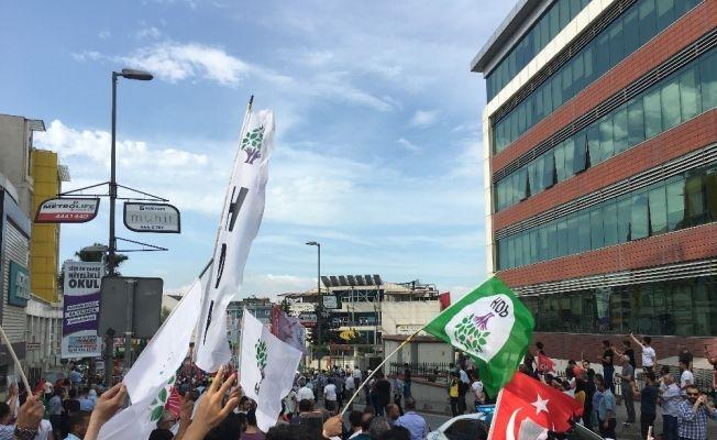 """İnce'den HDP bayraklı karşılamaya cevap: """"Hiçbir siyasi parti bayrağı istemiyorum"""""""