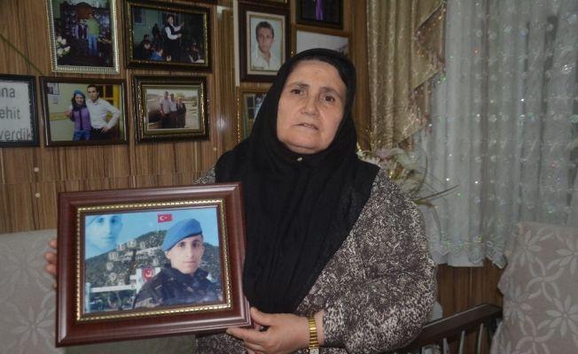 """Saldırıya uğrayan şehit annesi konuştu: """"Kadınlar bana saldırdı saygısızlık yaptılar. Bana tepki gösterdiler bende onlara tepki gösterdim"""""""