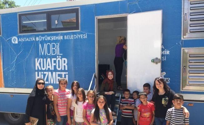 Büyükşehir 'Mobil Hizmet Aracı' Manavgat'ta
