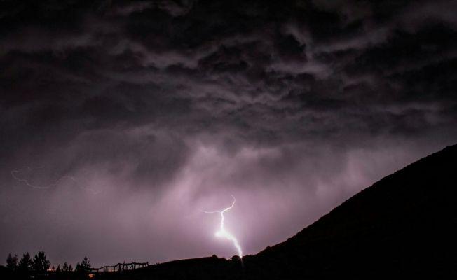 Meteoroloji'den Ardahan için yıldırım uyarısı