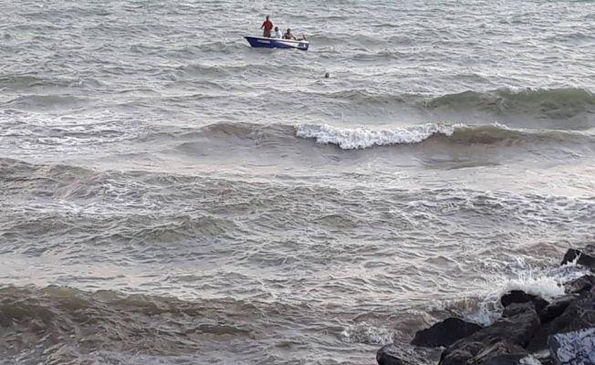 Suriyeli iki kız çocuğundan biri denizde boğuldu